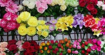 Заборона штучних квітів