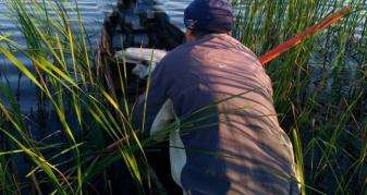 Чоловік, який рибалив в останній день нересту