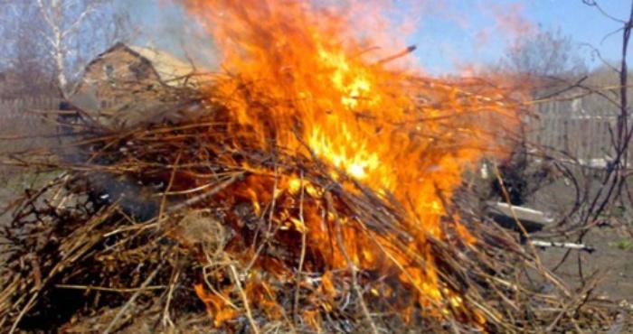 У Здолбунові почали карати за спалювання рослинності