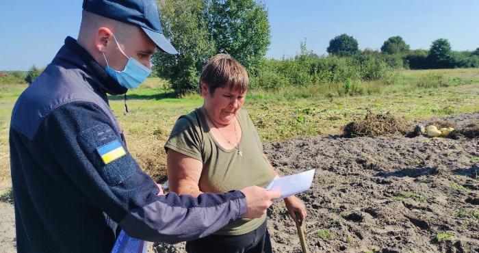 В Шацькій громаді попередили про відповідальність за спалювання сухої трави