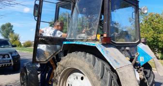 У Володимирі мешканець міста поскандалив з комунальником через сухе гілля