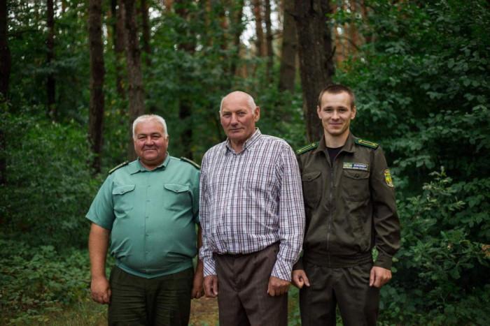Три покоління лісників на чолі з Віталієм Погребським